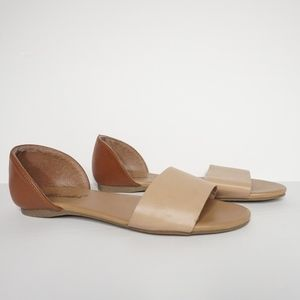 Breckelle's Sandal in Beige and Tan